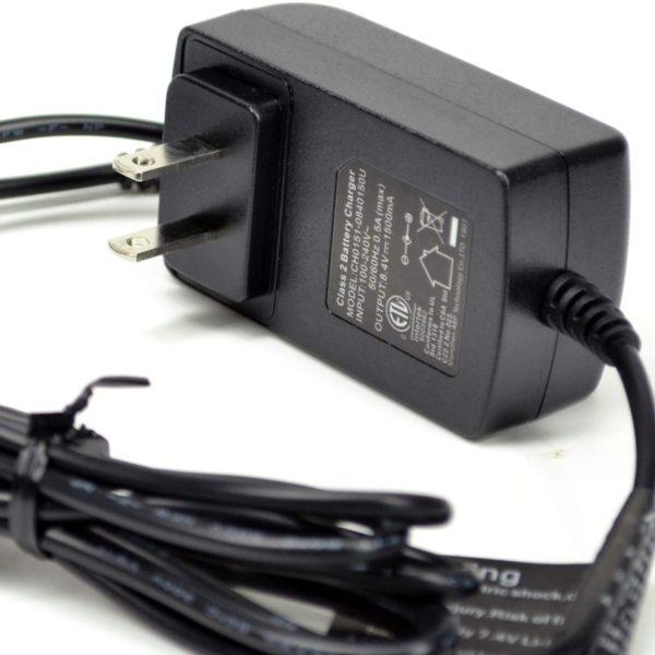 SNOW DEER 7.4V battery charger - 01